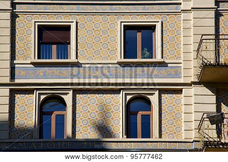Old  Window In The   Centre   Of City Lugano Switzerland Swiss