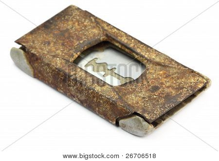 Grungy razor blade case