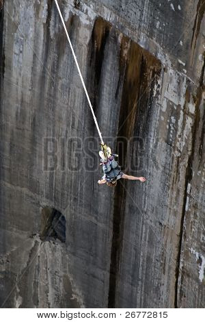 Bangee jumper (Verzasca dam, Switzerland)