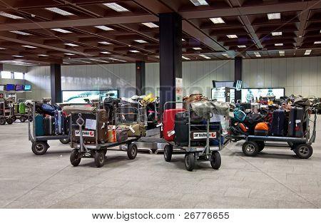 17. April Zürich: Zürich Flughafen geschlossen wegen Vulkanausbruch, 17. April 2010 in Zürich, Schweiz