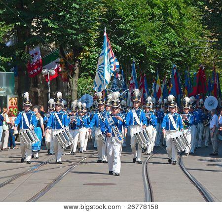 ZURICH - AUGUST 1: Swiss National Day parade on August 1, 2009 in Zurich, Switzerland. Parade opening with Zurich city orchestra