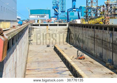 Preparation Of Dry Dock For Acceptance The Ship