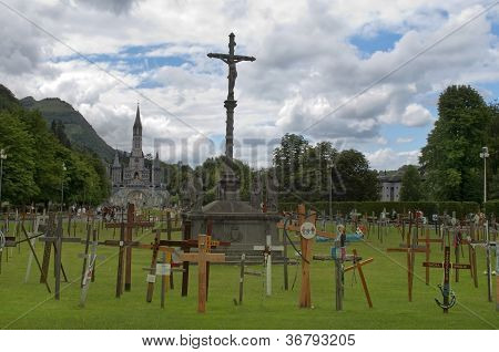 Lourdes , Garden Of Crosses