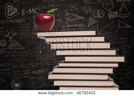 Apple Education Symbol und Stapel von Büchern In Klasse