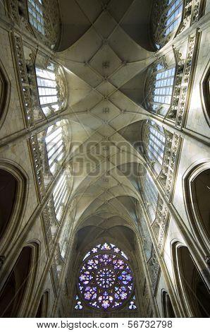 bóveda de la Catedral de San Vito en Praga, República Checa