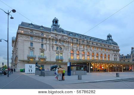 PARIS, FRANCE - SEPTEMBER 12, 2013: People at the booking offices of Musee d'Orsay. Opened in 1986, the museum houses the world largest collection of impressionist and post-impressionist masterpieces
