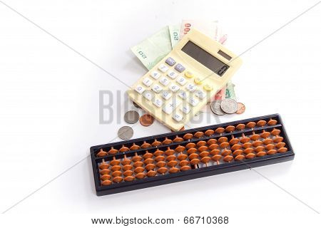 Calculator / Abacus To Calculate That Works All The Time.