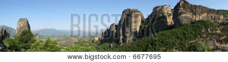 Panorama of the Meteora monasteries.