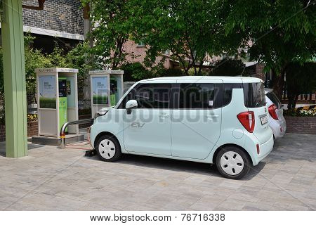 Suwon, Korea - May 02, 2014: Electric Car And Charging Station  Of Suwon City