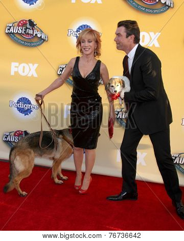 LOS ANGELES - NOV 22:  Kathy Griffin, Jerry O'Connell at the FOX's