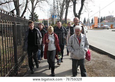 Evgeniya Chirikova Near Krasnodar Airport Together With The Delegation From Moscow