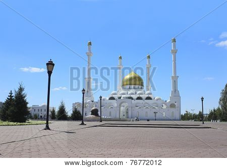 Nur Astana. The Beautiful Mosque In City Of Astana.
