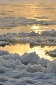 picture of freezing temperatures  - Floe flowing river - JPG