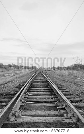 Diverging railway tracks