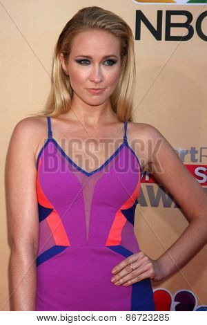 LOS ANGELES - MAR 29:  Anna Camp at the 2015 iHeartRadio Music Awards at the Shrine Auditorium on March 29, 2015 in Los Angeles, CA