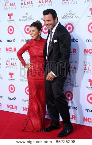 LOS ANGELES - SEP 27:  Eva Longoria, Ricardo Antonio Chavira at the 2013 ALMA Awards - Arrivals at Pasadena Civic Auditorium on September 27, 2013 in Pasadena, CA