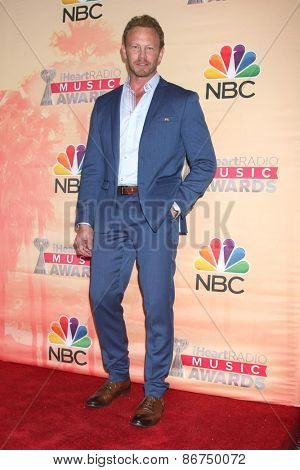 LOS ANGELES - MAR 29:  Ian Ziering at the 2015 iHeartRadio Music Awards Press Room at the Shrine Auditorium on March 29, 2015 in Los Angeles, CA