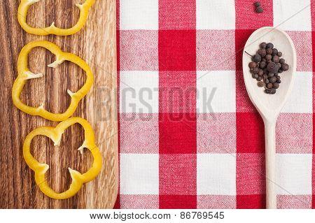 paprika on utting board