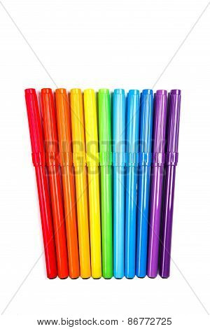 Rainbow of felt tip pens