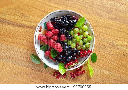 dish of fresh seasonal berries