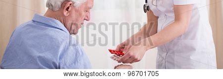 Elder Man's Treatment With Pills