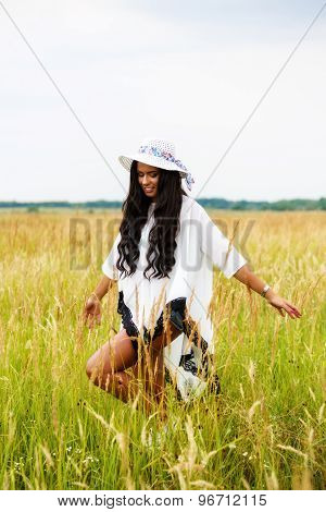 Free Happy Woman Enjoying Nature and Freedom. Beauty Girl Outdoor