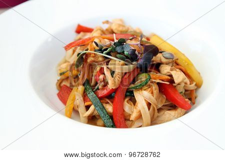 Wok Food - Pasta With Vegetables, Shrimps And Chicken