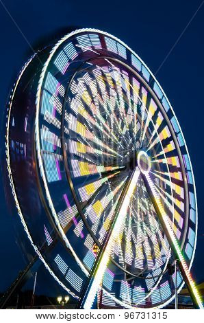 Large spinning ferris wheel