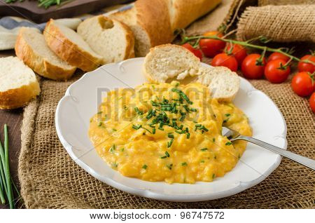 French Style Scrambled Eggs With Chives