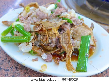 Quick-fried lamb with sesame oil