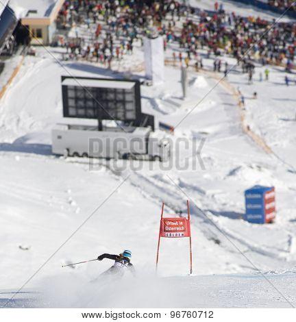 SOELDEN, AUSTRIA Oct 24 2009  MANCUSO Julia (USA) competing in the womens giant slalom race at the Rettenbach Glacier.