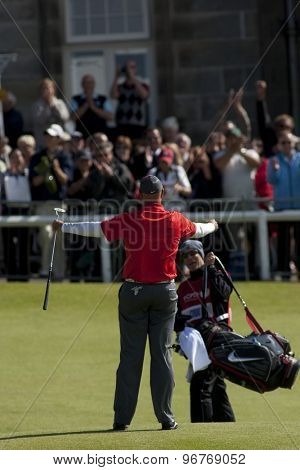 ST ANDREWS, SCOTLAND. July 17 2010: Stewart CINK from the USA in action during the third round of The Open Championship   played on The Royal and Ancient Old Course