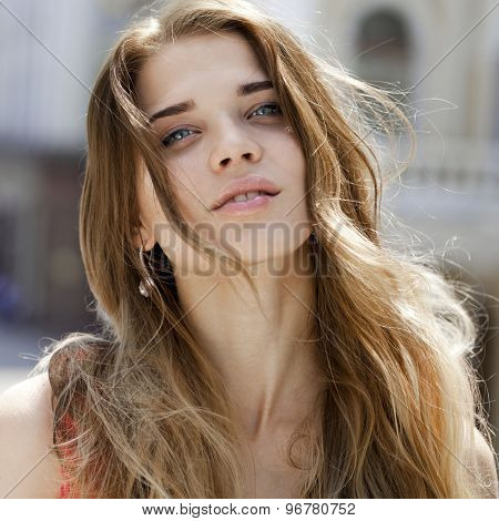 Close up portrait of a beautiful young woman