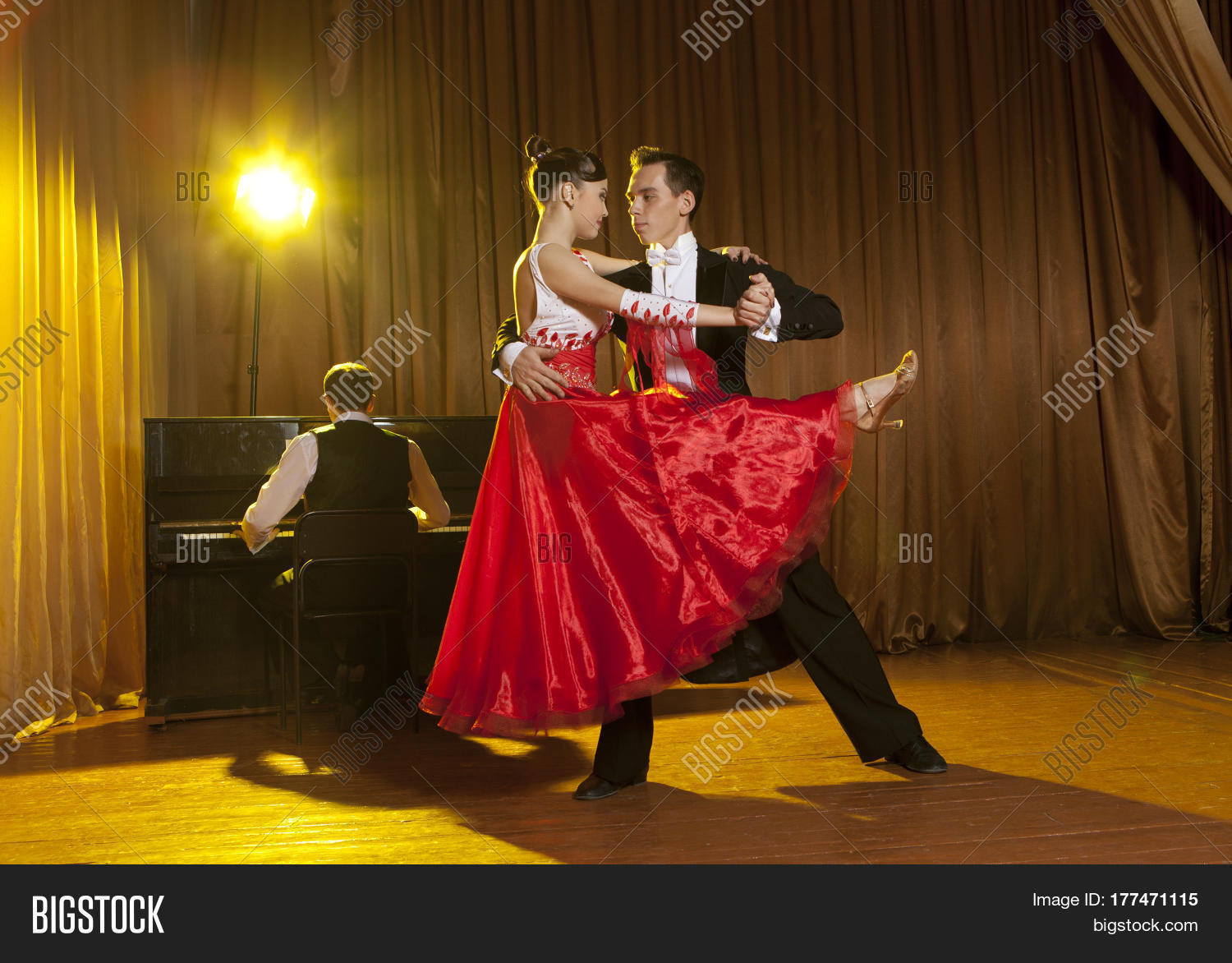 Dance beautiful couple dancing ballroom dancing on dark ...