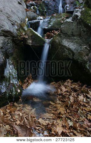 Waterfall in autumn, Sonbaharda Selale