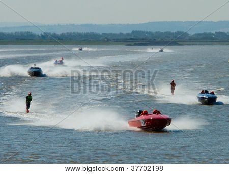Waterski and speedboat racing
