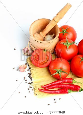 Ingredients For Tomato Sauce And Spagetti