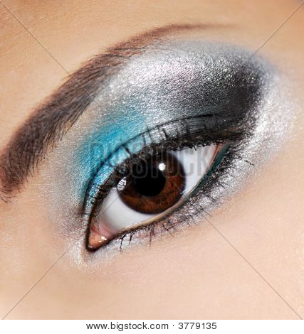 Multicolored Beauty Make-Up