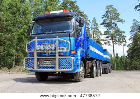 Blue Sisu 18E630 Heavy Duty Truck And Trailer