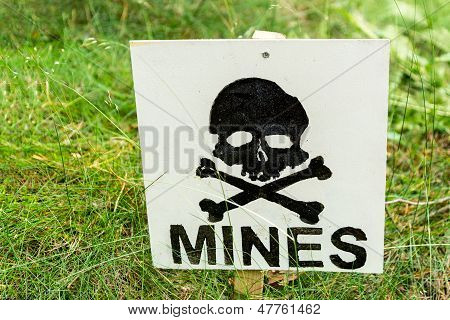 Warning Minefield