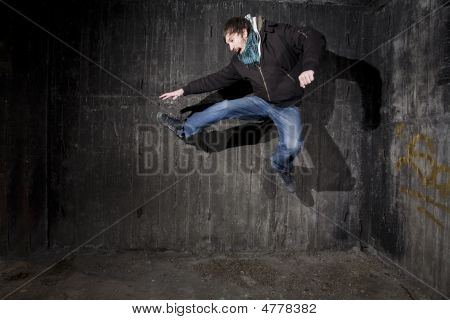 Jump - Breakdance Concept