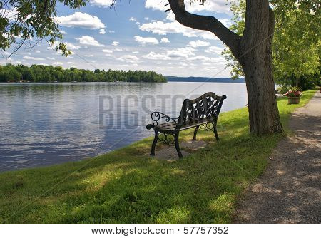 Lakeview Bench Seat
