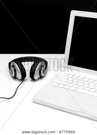 Laptop Tunes
