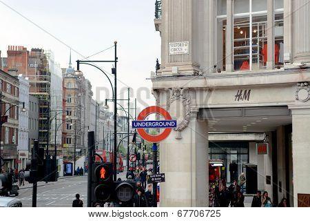 Underground signage at Regent Street
