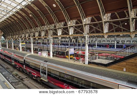 Heathrow Express Trains, Paddington Station