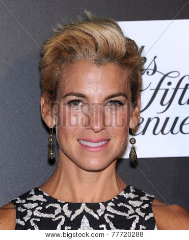 LOS ANGELES - OCT 08:  Jessica Seinfeld arrives to the 5th Annual PSLA Autumn Party  on October 8, 2014 in Culver City, CA