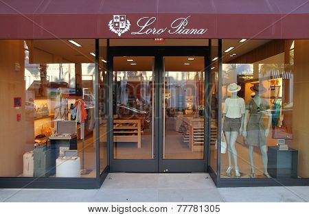 Beverly Hills Fashion Shopping