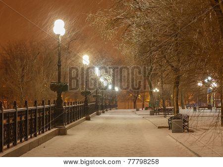 lot of snowfall and empty walkway