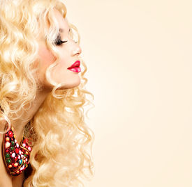 picture of perm  - Glamour Blonde lady - JPG