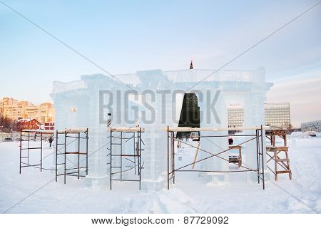 Construction Of Sculpture With Columns In Ice Town In Perm, Russia